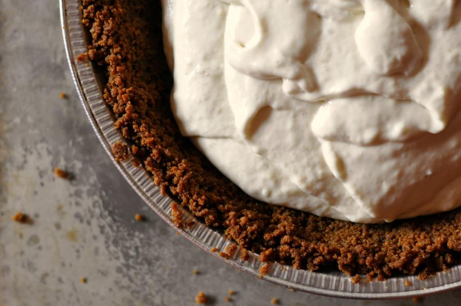 banana cream pie small
